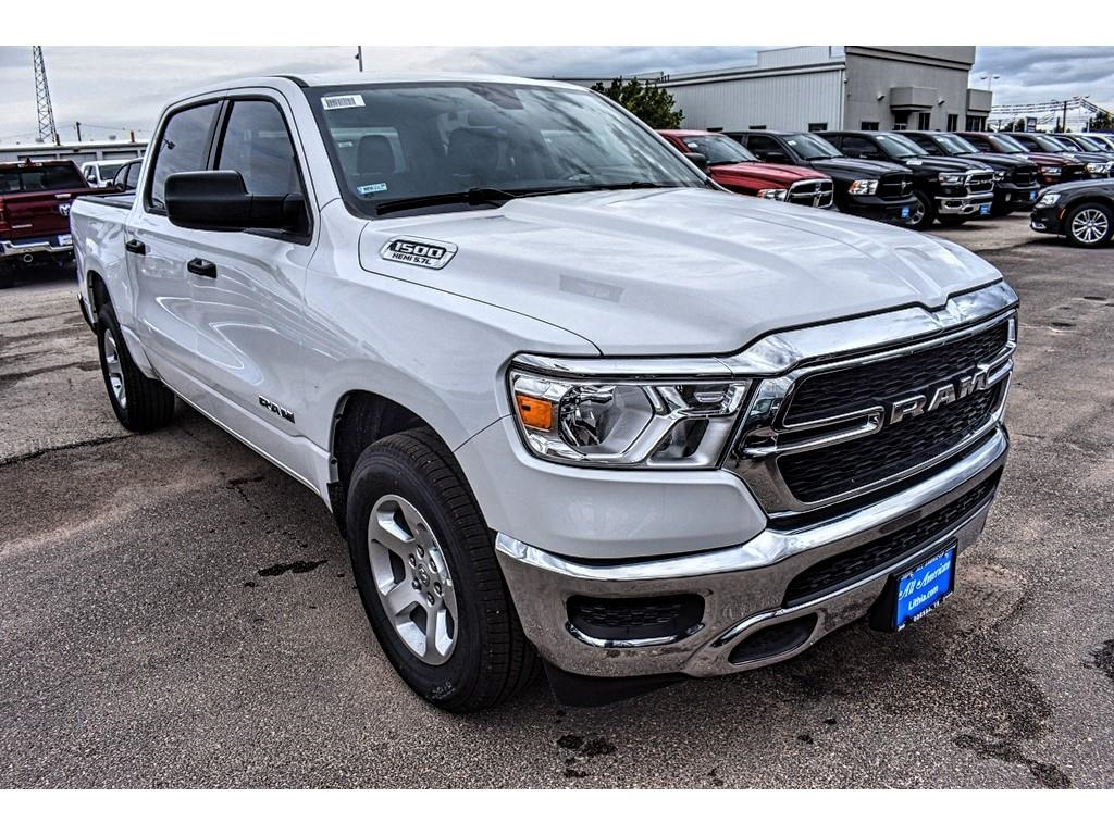2019 Ram 1500 Crew Cab 4x2,  Pickup #KN567627 - photo 3