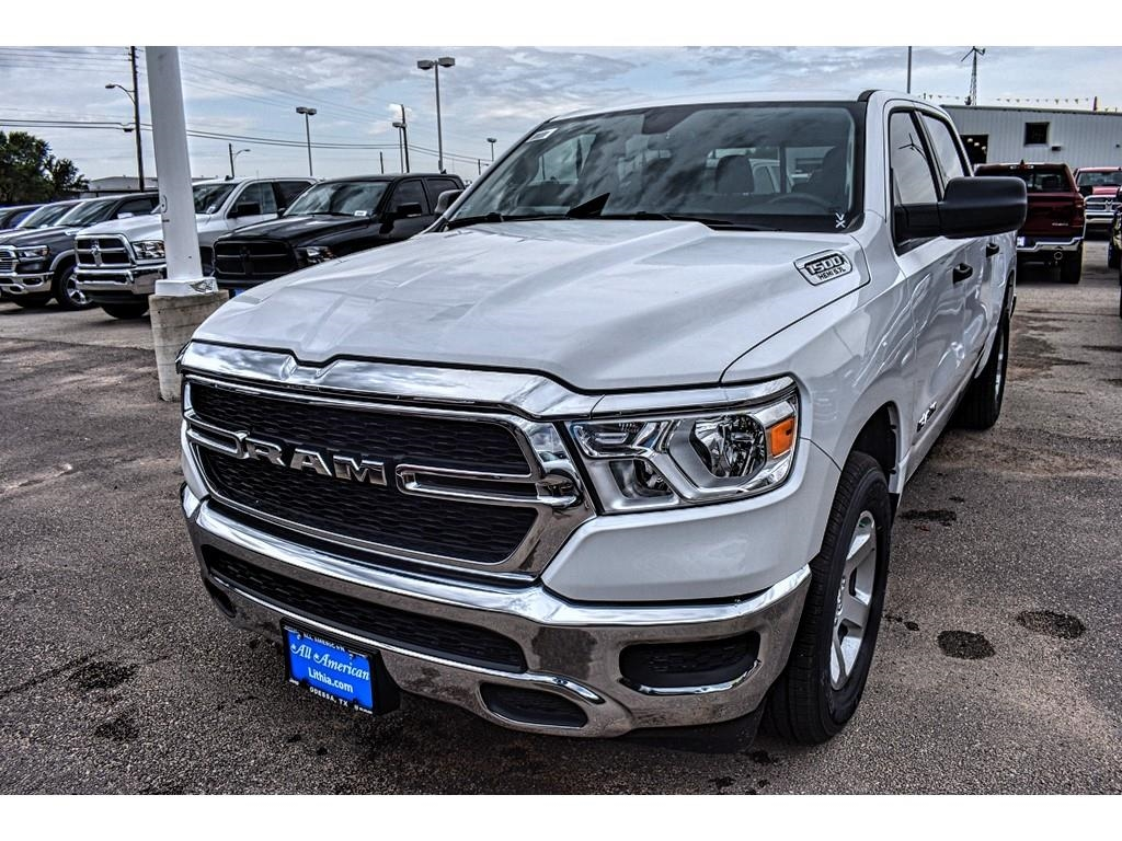 2019 Ram 1500 Crew Cab 4x2,  Pickup #KN567627 - photo 5