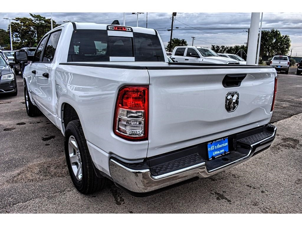 2019 Ram 1500 Crew Cab 4x2,  Pickup #KN567627 - photo 9