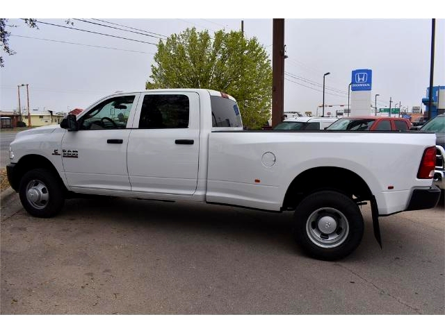 2017 Ram 3500 Crew Cab DRW 4x4, Pickup #HG619200 - photo 3