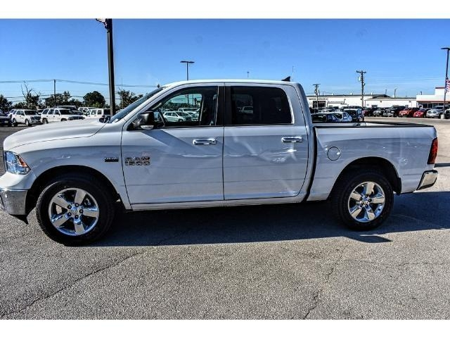 2017 Ram 1500 Crew Cab Pickup #HS506085L - photo 3