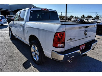 2017 Ram 1500 Crew Cab Pickup #HS506085L - photo 2