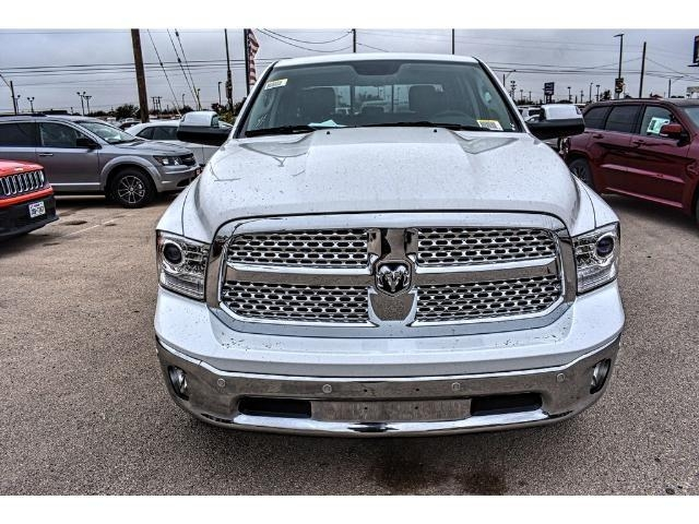 2017 Ram 1500 Crew Cab 4x4 Pickup #HS875242 - photo 5