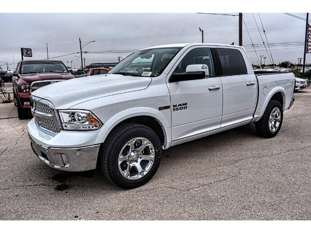 2017 Ram 1500 Crew Cab 4x4 Pickup #HS875242 - photo 1