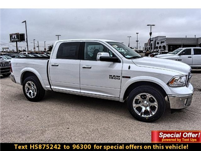 2017 Ram 1500 Crew Cab 4x4 Pickup #HS875242 - photo 3