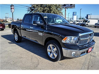 2017 Ram 1500 Crew Cab 4x4, Pickup #HS876077 - photo 1