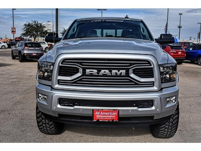 2018 Ram 2500 Crew Cab 4x4 Pickup #JG109961 - photo 4