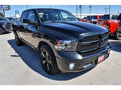 2018 Ram 1500 Crew Cab 4x4 Pickup #JG130933 - photo 3