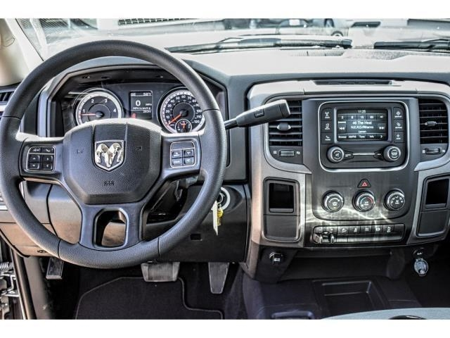 2018 Ram 2500 Crew Cab 4x4, Pickup #JG177079 - photo 17
