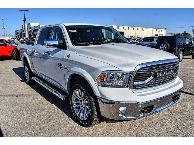 2018 Ram 1500 Crew Cab 4x4 Pickup #JS112396 - photo 3