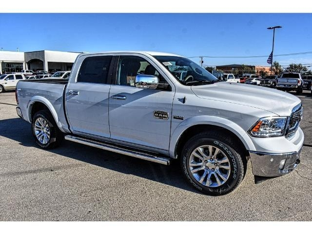 2018 Ram 1500 Crew Cab 4x4 Pickup #JS112396 - photo 26