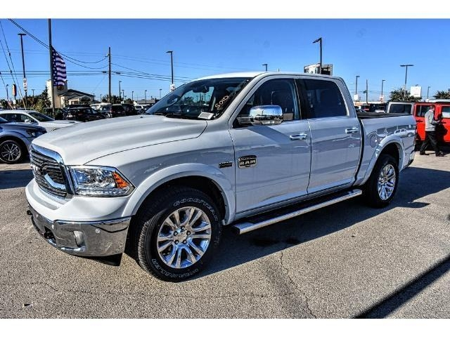 2018 Ram 1500 Crew Cab 4x4 Pickup #JS112396 - photo 6