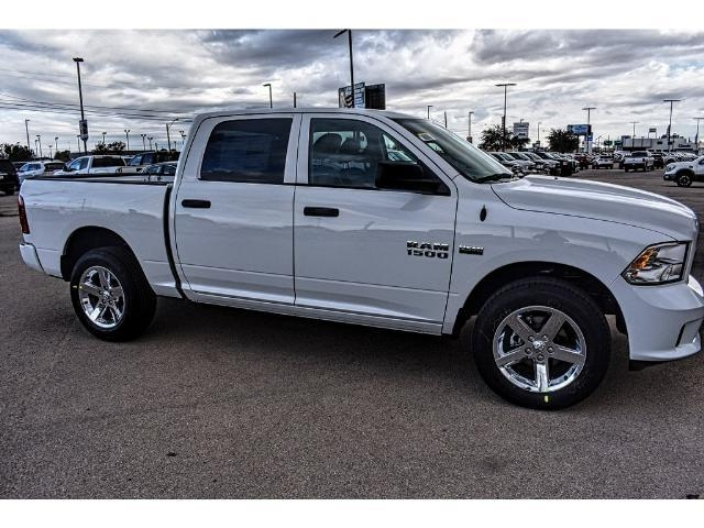 2018 Ram 1500 Crew Cab 4x4 Pickup #JS125065 - photo 26