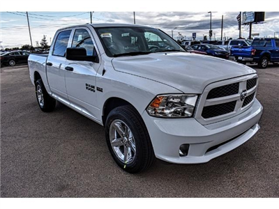 2018 Ram 1500 Crew Cab 4x4 Pickup #JS125065 - photo 3