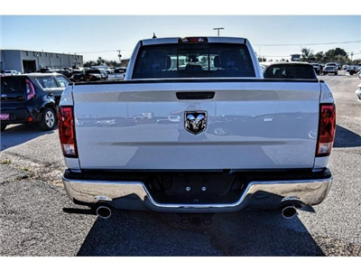 2018 Ram 1500 Crew Cab Pickup #JS125705 - photo 10