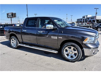 2018 Ram 1500 Crew Cab Pickup #JS127642 - photo 1