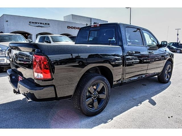 2018 Ram 1500 Crew Cab Pickup #JS132449 - photo 2