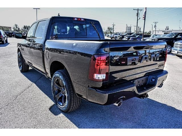 2018 Ram 1500 Crew Cab 4x4, Pickup #JS135123 - photo 9