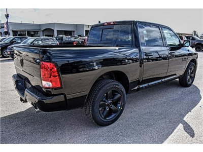2018 Ram 1500 Crew Cab Pickup #JS147251 - photo 2