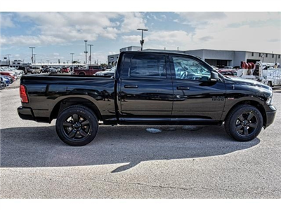 2018 Ram 1500 Crew Cab Pickup #JS147251 - photo 12