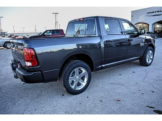 2018 Ram 1500 Crew Cab Pickup #JS155095 - photo 11
