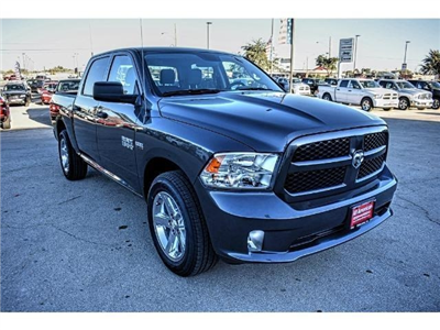 2018 Ram 1500 Crew Cab Pickup #JS155095 - photo 5