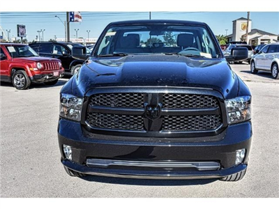 2018 Ram 1500 Crew Cab, Pickup #JS155096 - photo 4