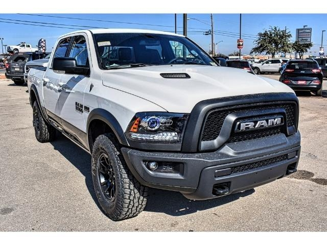 2018 Ram 1500 Crew Cab 4x4 Pickup #JS159315 - photo 3