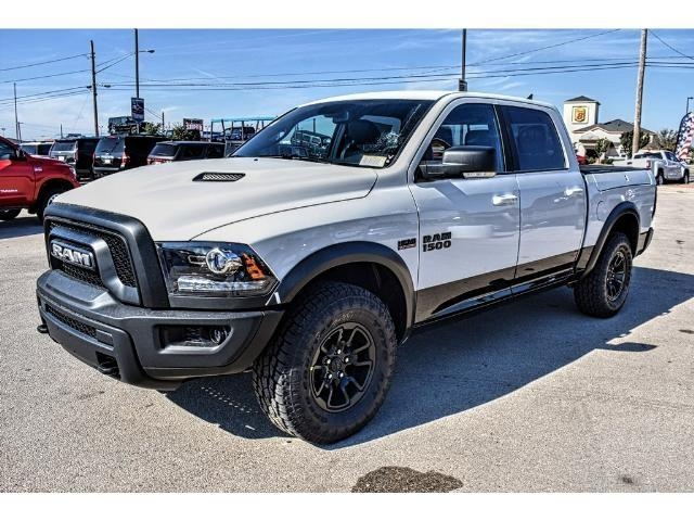 2018 Ram 1500 Crew Cab 4x4 Pickup #JS159315 - photo 6