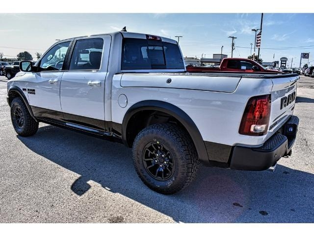 2018 Ram 1500 Crew Cab 4x4 Pickup #JS159315 - photo 8