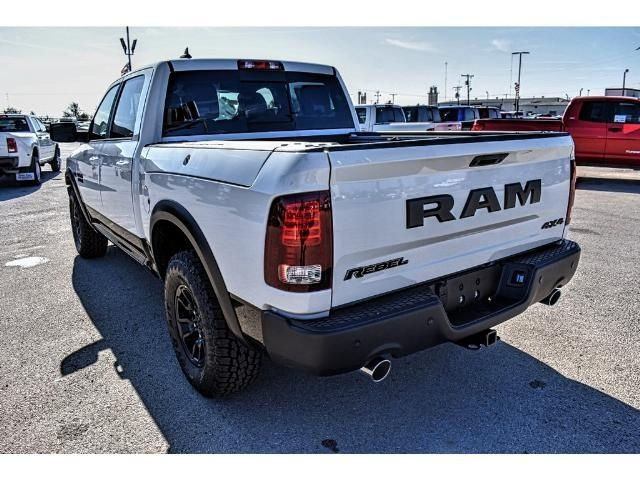 2018 Ram 1500 Crew Cab 4x4 Pickup #JS159315 - photo 9