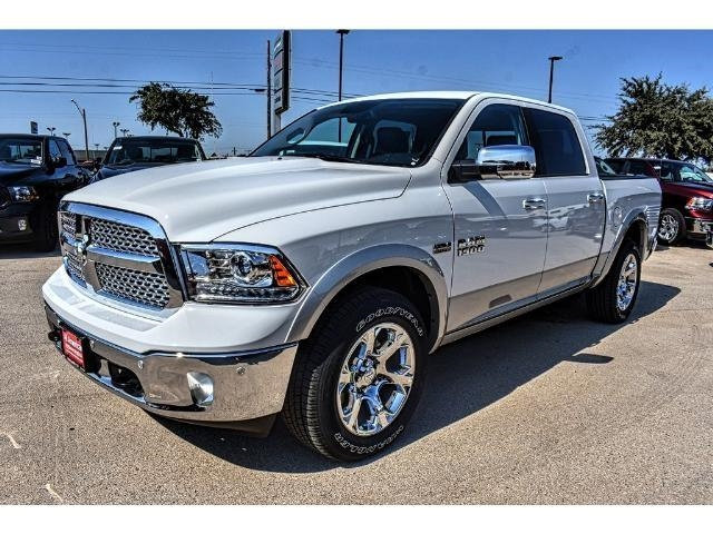 2018 Ram 1500 Crew Cab 4x4 Pickup #JS164178 - photo 6