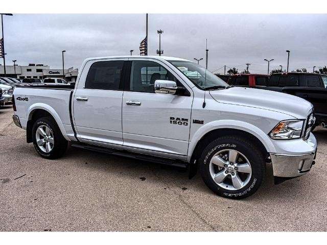 2018 Ram 1500 Crew Cab 4x4, Pickup #JS167740 - photo 1