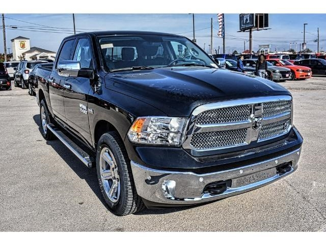 2018 Ram 1500 Crew Cab 4x4 Pickup #JS172969 - photo 5