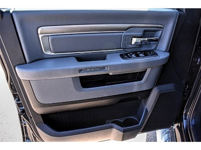 2018 Ram 1500 Crew Cab 4x4 Pickup #JS172969 - photo 18