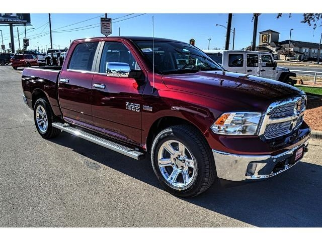 2018 Ram 1500 Crew Cab 4x4 Pickup #JS172970 - photo 1