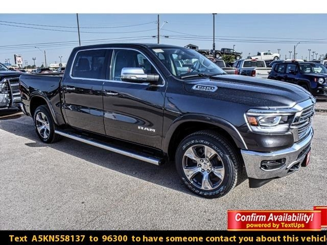 2019 Ram 1500 Crew Cab 4x2,  Pickup #KN558137 - photo 1