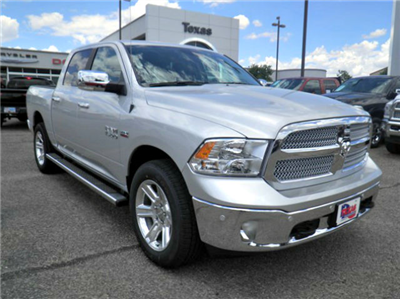 2017 Ram 1500 Crew Cab 4x4 Pickup #D10213 - photo 4
