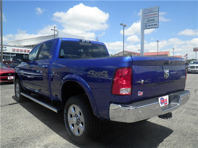 2017 Ram 2500 Crew Cab 4x4, Pickup #D10360 - photo 2