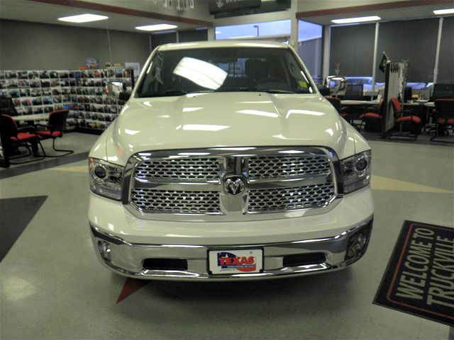 2018 Ram 1500 Crew Cab 4x4, Pickup #D10447 - photo 3
