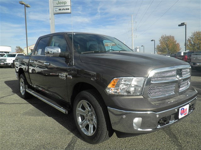 2018 Ram 1500 Crew Cab 4x4, Pickup #D10521 - photo 4