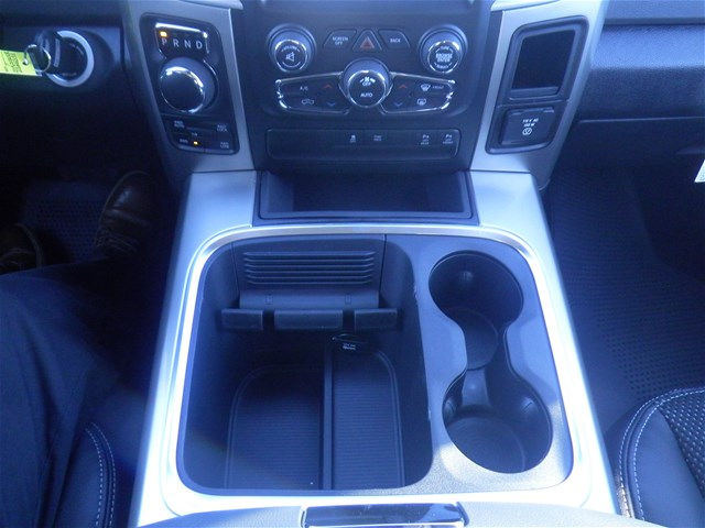 2018 Ram 1500 Crew Cab 4x4, Pickup #D10656 - photo 18