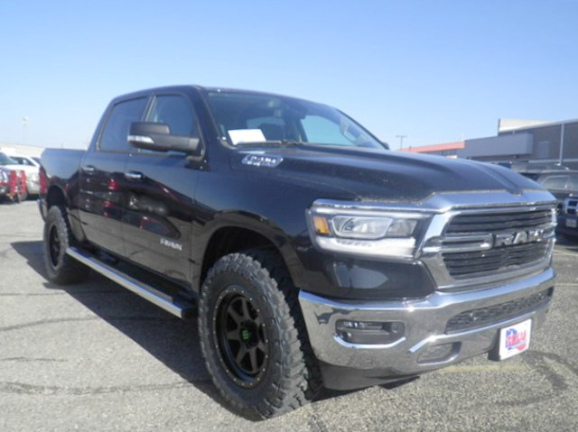 2019 Ram 1500 Crew Cab 4x4,  Pickup #D10817 - photo 5