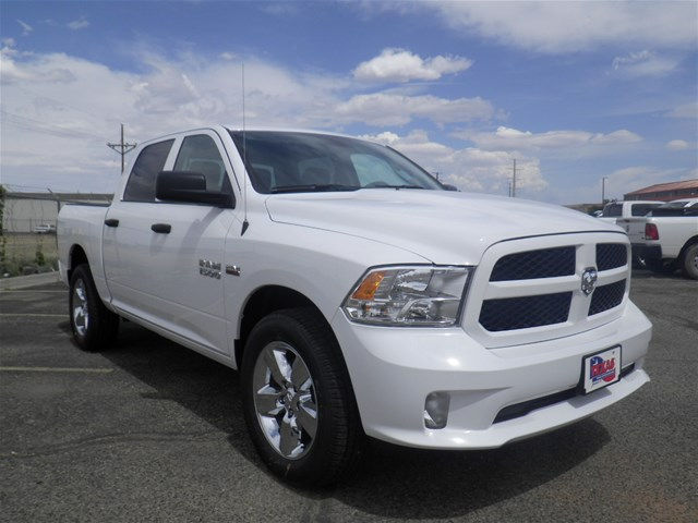 2018 Ram 1500 Crew Cab 4x4,  Pickup #D10853 - photo 4