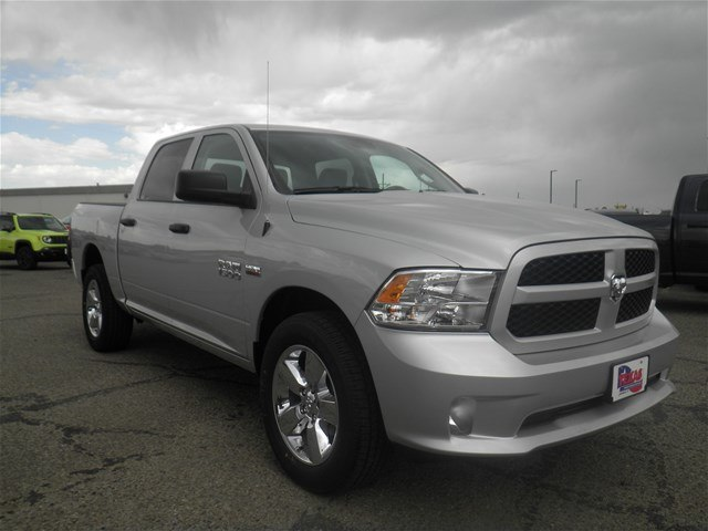 2018 Ram 1500 Crew Cab 4x4,  Pickup #D10867 - photo 4