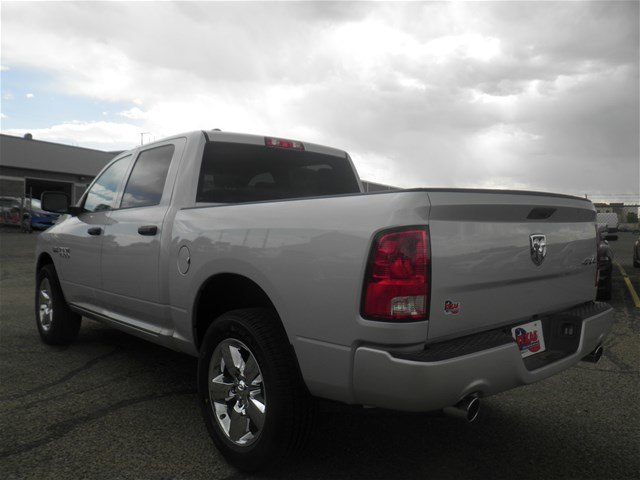 2018 Ram 1500 Crew Cab 4x4,  Pickup #D10867 - photo 2