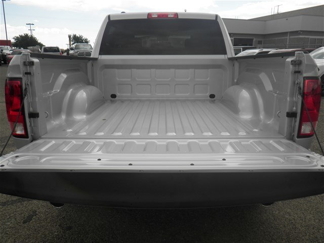 2018 Ram 1500 Crew Cab 4x4,  Pickup #D10867 - photo 9