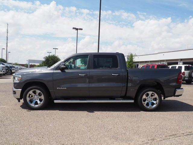 2019 Ram 1500 Crew Cab 4x2,  Pickup #D10961 - photo 3