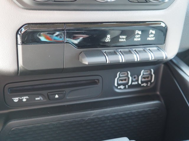 2019 Ram 1500 Crew Cab 4x2,  Pickup #D10961 - photo 9