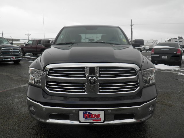 2019 Ram 1500 Crew Cab 4x2,  Pickup #D11345 - photo 3